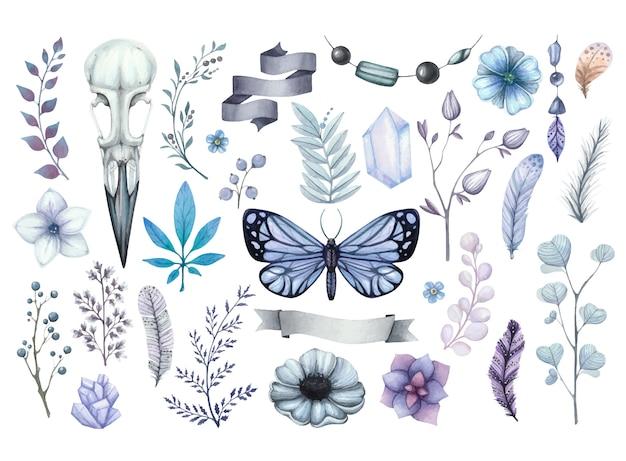 Cupo set acquerello di illustrazioni con teschio corvo, farfalla blu, fiori, cristalli e piume Vettore Premium