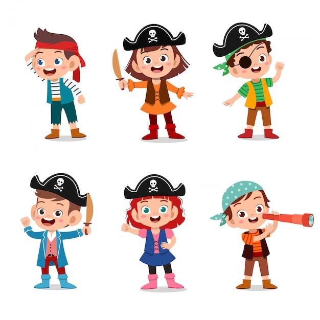 Gruppo di pirati del fumetto su una nave al mare Vettore Premium