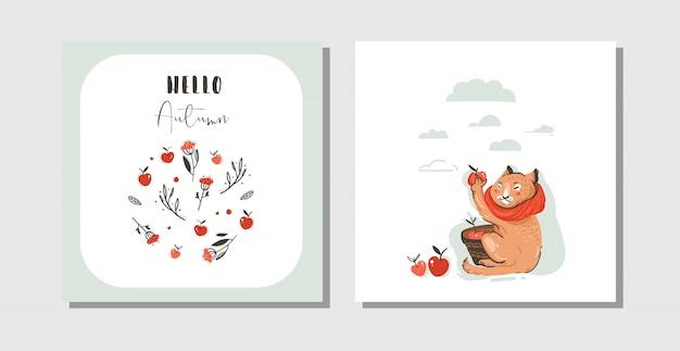 Le carte di autunno del fumetto di saluto astratto disegnato a mano hanno messo il modello con il carattere sveglio del gatto raccolto la raccolta delle mele con tipografia moderna ciao autunno su fondo bianco. Vettore Premium