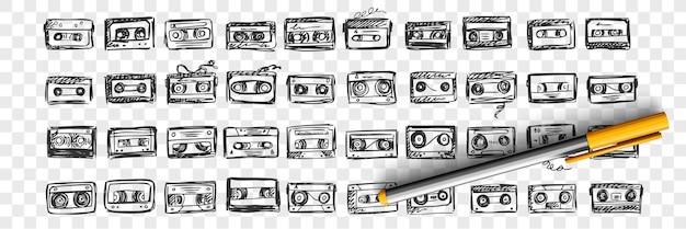 Insieme di doodle di nastri audio disegnati a mano. raccolta di inchiostro penna disegno a matita schizzi modelli di modelli di videocassetta musicale su sfondo trasparente. illustrazione della riproduzione di dispositivi di registrazione. Vettore Premium