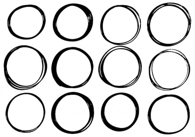 Cerchio di scarabocchi disegnati a mano Vettore Premium