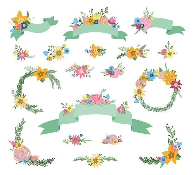Insieme disegnato a mano di banner nastro floreale e ghirlande con mazzi di fiori primaverili, foglie e rami isolati Vettore Premium