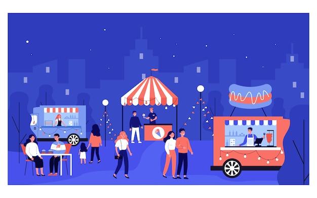 Gente felice che cammina al mercato notturno Vettore Premium