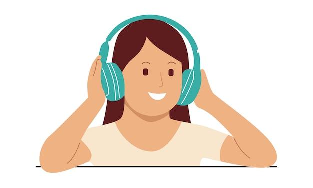 Giovane donna felice che ascolta la musica sulle cuffie senza fili Vettore Premium