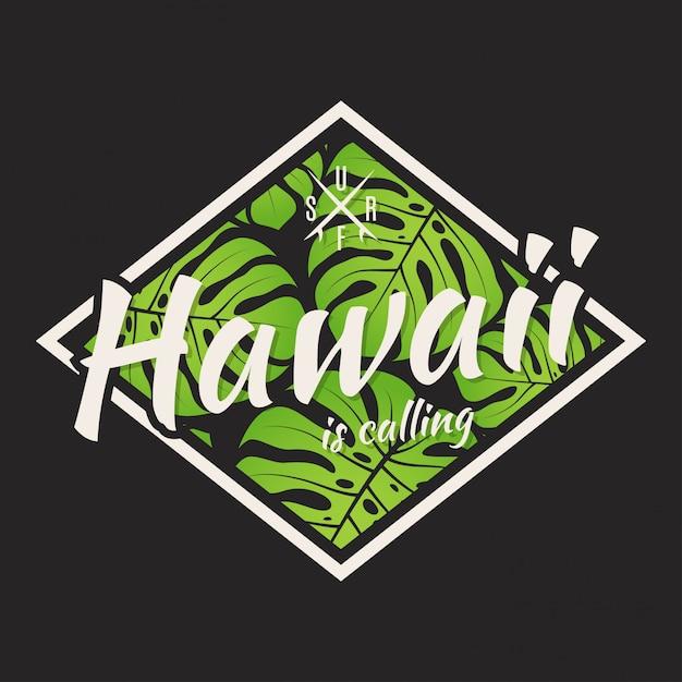 T-shirt alle hawaii con foglie tropicali. Vettore Premium