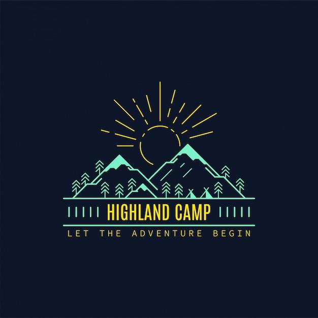 Distintivo del campo delle highland. illustrazione al tratto. trekking, emblema del campeggio. Vettore Premium