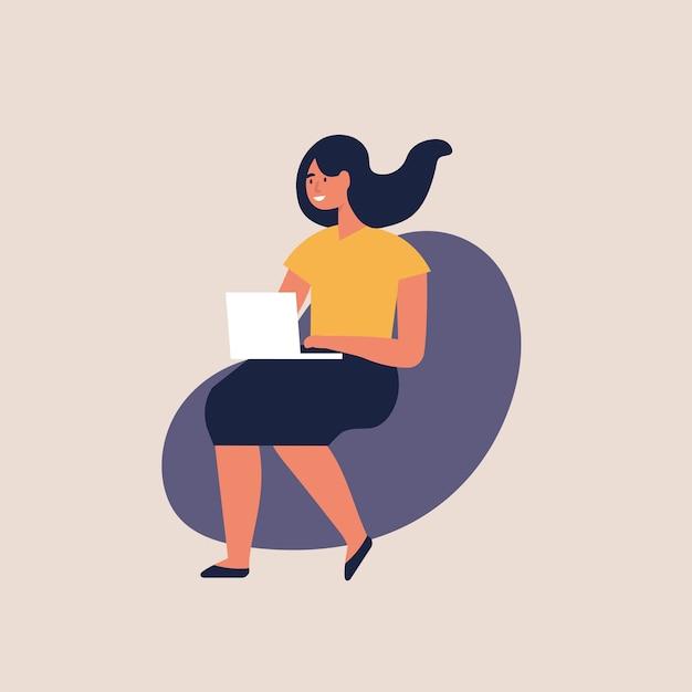 Illustrazione giovani donne sedute su una sedia e lavorando su laptop a casa o uno spazio di coworking moderno. libero professionista. Vettore Premium