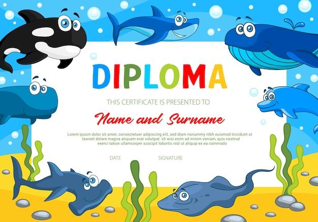 Diploma per bambini con animali marini, istruzione scolastica o modello di certificato di scuola materna. confine premio con balena assassina, squalo e squalo martello, pendio e delfino. diploma di istruzione Vettore Premium