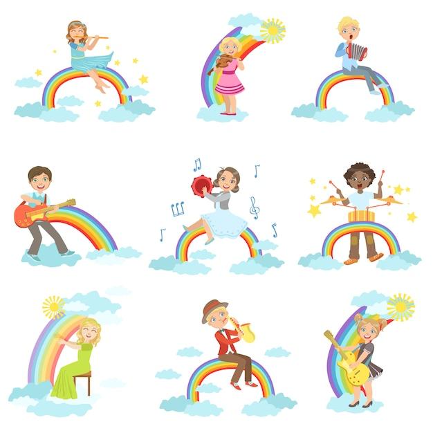 Bambini che suonano strumenti musicali con decorazioni arcobaleno e nuvole Vettore Premium