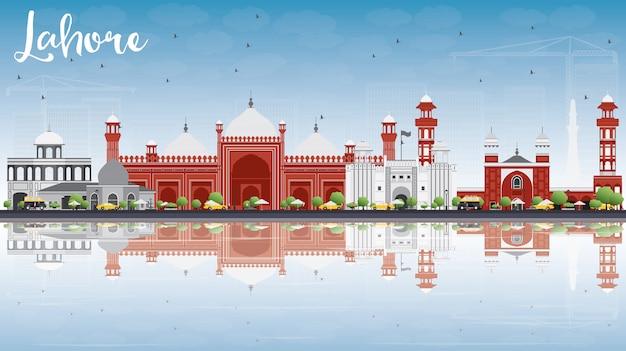 Skyline di lahore con punti di riferimento grigi, rossi e riflessi. viaggi d'affari e turismo concetto con edifici storici. Vettore Premium