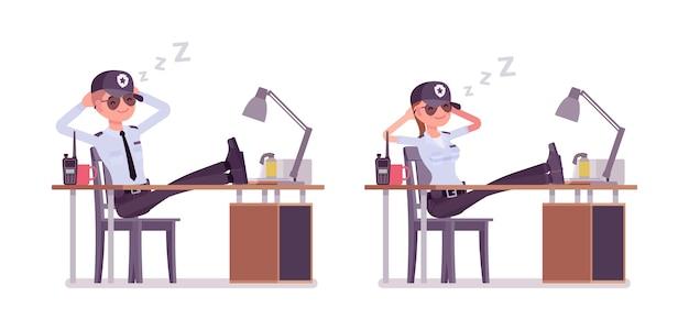 Guardia di sicurezza maschile e femminile che riposa sul lavoro Vettore Premium