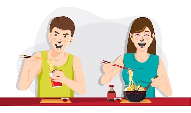 Uomo e donna che mangiano tagliatelle, persone che mangiano cibo immagine Vettore Premium