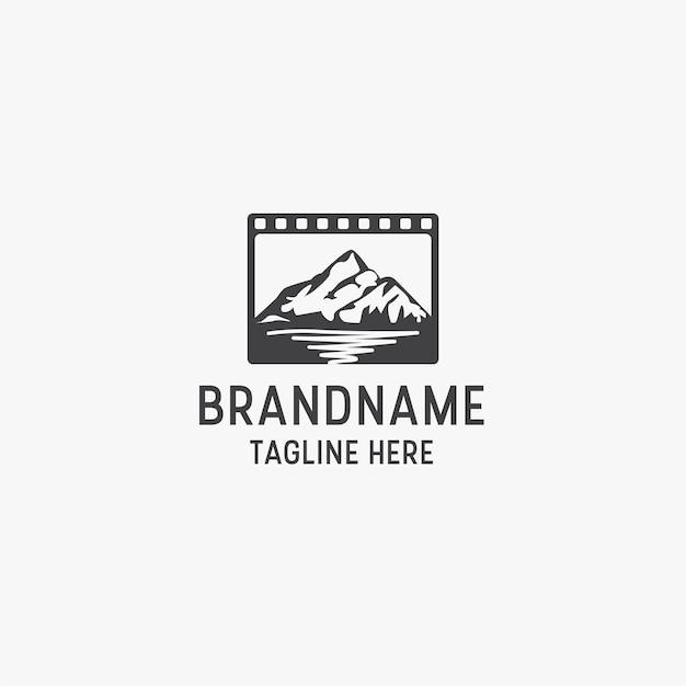 Modello di progettazione dell'icona di logo di produzione di film in studio di montagna. Vettore Premium
