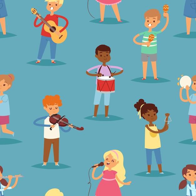 I personaggi dei cartoni animati dei bambini di musica hanno messo dei bambini che cantano o che giocano la chitarra, il violino e la flauto degli strumenti musicali nel fondo senza cuciture del modello dell'illustrazione kiddy di infanzia Vettore Premium