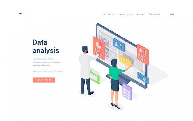 Impiegati di concetto che analizzano i dati sull'illustrazione del computer. Vettore Premium