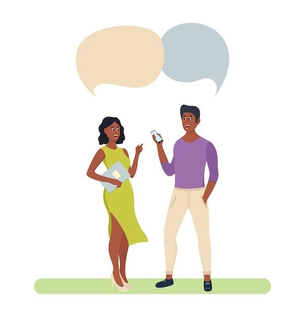 Persone gruppo chat bolla coppia risorse umane colleghi. discutere di comunicazione sociale Vettore Premium