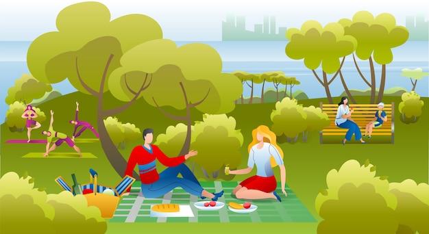 Persone nel parco, picnic divertendosi, tempo libero e riposo nella natura estiva, facendo esercizi di yoga e fitness, mangiando illustrazione. coppie che hanno picnic nel parco, rilassante il giorno pieno di sole. Vettore Premium