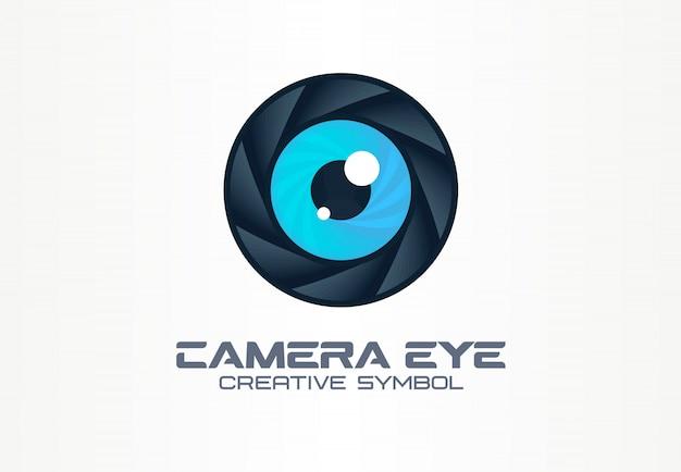 Occhio della macchina fotografica, concetto creativo di simbolo di visione digitale. cctv, monitoraggio video idea logo astratto business. diaframma, icona dell'otturatore Vettore Premium