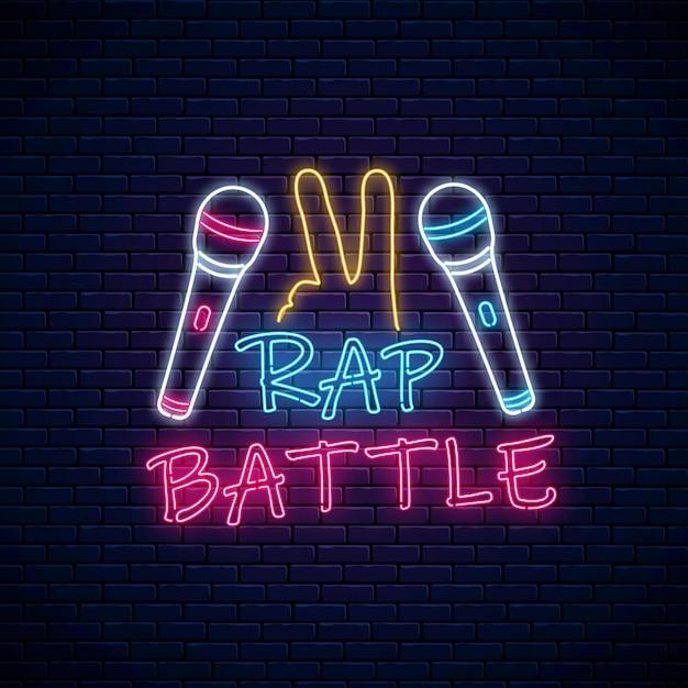 Insegna al neon di battaglia rap con due microfoni e un gesto. Vettore Premium
