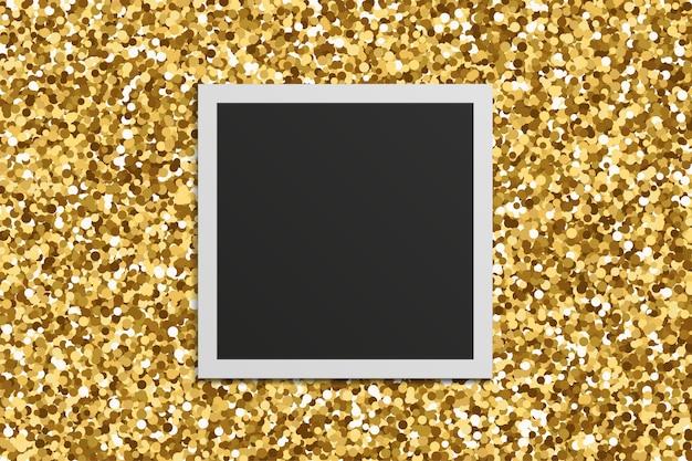 Cornice foto quadrata realistica con ombre su sfondo texture glitter oro. Vettore Premium