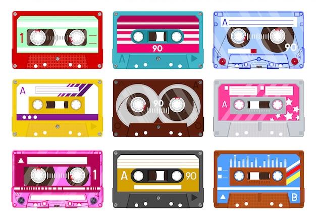 Cassetta audio retrò. nastro audio vintage, cassetta musicale, set di icone illustrazione audiocassette stereo analogico. riproduzione e ascolto di cassette, supporti audio analogici Vettore Premium