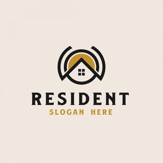 Casa sul tetto con modello di logo immobiliare icona cerchio. illustrazione vettoriale Vettore Premium