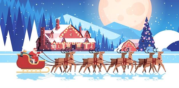 Babbo natale in sella alla slitta con le renne felice anno nuovo e buon natale biglietto di auguri vacanze celebrazione concetto notte paesaggio invernale sfondo orizzontale illustrazione vettoriale Vettore Premium