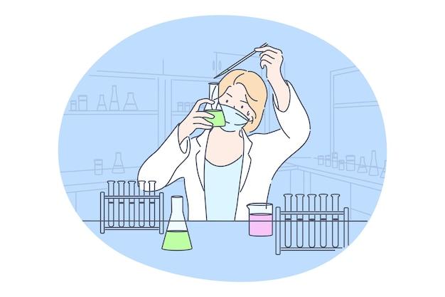 Scienza, chimica, coronavirus, concetto di esperimento. il lavoratore del laboratorio medico dello studioso della giovane donna felice fa la reazione chimica in laboratorio. test scientifico ricerca accademica o creazione di vaccini covid19. Vettore Premium