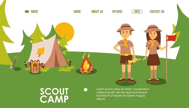 Sito web del campo scout, illustrazione. modello di pagina di destinazione per campeggio estivo, scena all'aperto con leader tenda, falò e scout. personaggio dei cartoni animati amichevole uomo e donna Vettore Premium