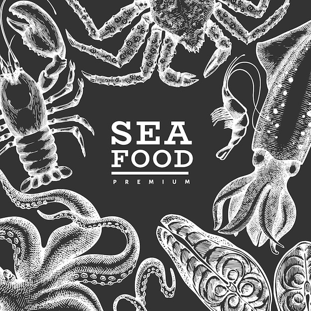 Modello di frutti di mare. illustrazione disegnata a mano dei frutti di mare sul bordo di gesso. cibo in stile inciso. sfondo di animali marini retrò Vettore Premium