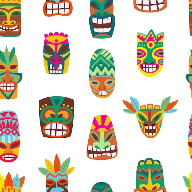Modello senza cuciture con maschere colorate tiki in legno, illustrazione di cartone animato. totem tradizionali polinesiani hawaiani in infinite texture di sfondo estivo. Vettore Premium