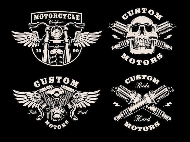 Set di emblemi di moto in bianco e nero su oscurità Vettore Premium