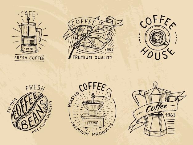 Set di loghi di caffè. elementi vintage moderni per il menu del negozio. illustrazione. Vettore Premium