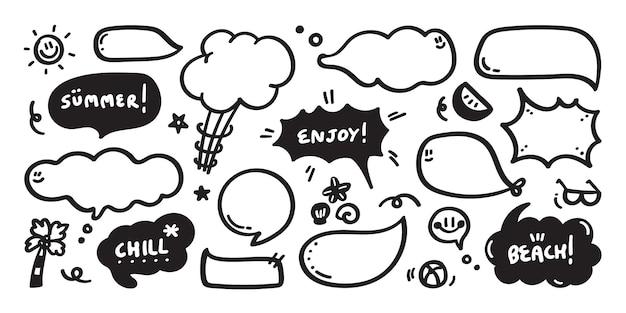 Set di nuvoletta carino con testo in stile doodle Vettore Premium