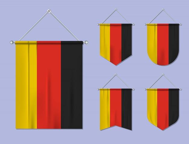 Set di appendere bandiere germania con trama tessile. forme di diversità del paese di bandiera nazionale. stendardo modello verticale Vettore Premium