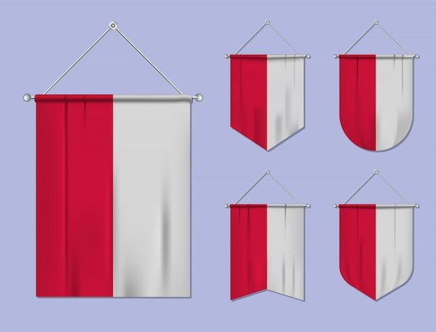 Set di appendere bandiere polonia con trama tessile. forme di diversità del paese di bandiera nazionale. stendardo modello verticale. Vettore Premium