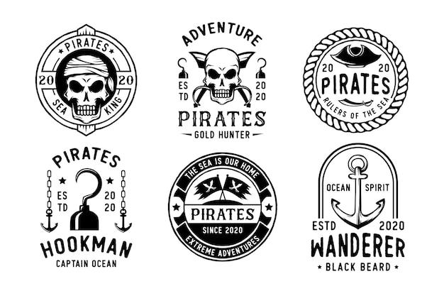 Set di badge o logo pirati vintage Vettore Premium
