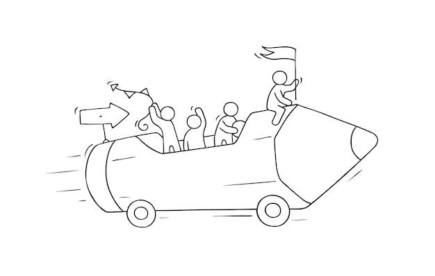 Schizzo di piccole persone che lavorano con la matita su ruote. doodle carino scena in miniatura di lavoratori creativi. Vettore Premium