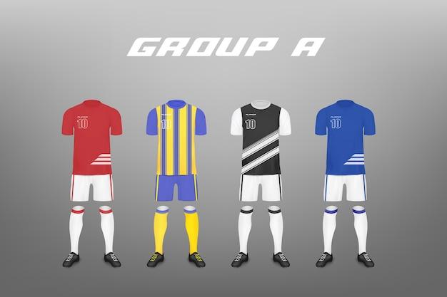 Gruppo di campionato di calcio un set di jersey di giocatori della squadra di quattro modelli illustrazione realistica sullo sfondo abbigliamento sportivo per club di calcio. Vettore Premium