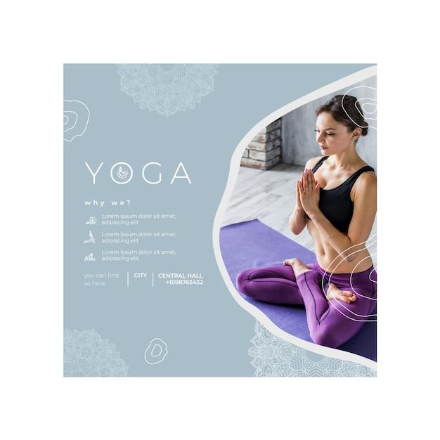 Modello di volantino quadrato per la pratica dello yoga Vettore Premium