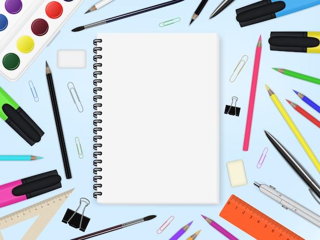 Elementi di cancelleria e quaderno Vettore Premium