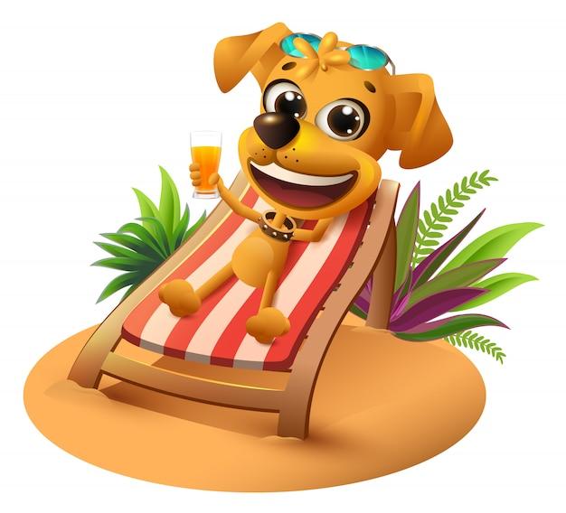 Vacanze estive al mare. il cane giallo si trova sulla sedia a sdraio e tiene il succo d'arancia Vettore Premium