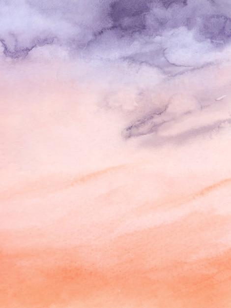 Tramonto cielo viola e arancio nuvoloso disegno astratto con il pennello acquerello per lo sfondo della natura. macchia artistica Vettore Premium