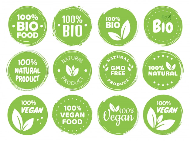 Etichette e tag logo cibo vegano. eco vegetariano, concetto verde di prodotto naturale. illustrazione disegnata a mano Vettore Premium