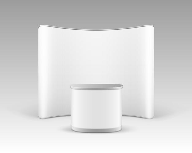 Stand pop-up per esposizione commerciale in bianco bianco per presentazione con tavolo contatore di promozione isolato su sfondo bianco Vettore Premium