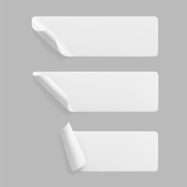 Adesivi rettangolari incollati bianchi con set di modelli di angoli arricciati Vettore Premium