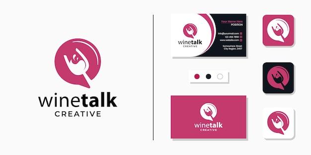 Bicchiere di vino con icona logo segno di chat e modello di progettazione biglietto da visita Vettore Premium