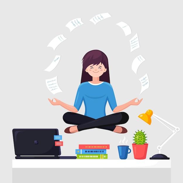 Donna che fa yoga sul posto di lavoro in ufficio. lavoratore seduto nella posa del loto padmasana sulla scrivania con carta volante, meditando, rilassarsi, calmarsi e gestire lo stress. Vettore Premium