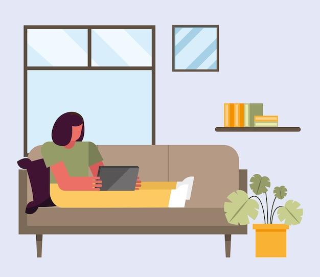 Donna con laptop lavorando sul divano da casa design del tema del telelavoro illustrazione vettoriale Vettore Premium