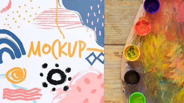 Aquarellen op bureau mock-up Gratis Psd